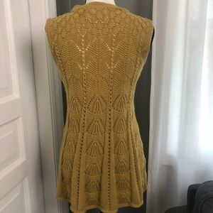 Anthropologie Sweaters - Anthro Angel of the North Sleeveless Sweater Sz S